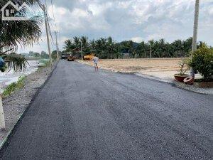 Tôi cần bán gấp đất ngay tại Mặt Tiền đường Nguyễn Hữu Trí, Thị Trấn Tân Túc, Huyện Bình Chánh, TPHCM.