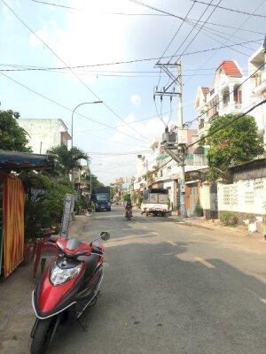 Cho thuê nhà mặt tiền Nguyễn Thị Thơi 5x28m,có gác, giá 9.5 triệu