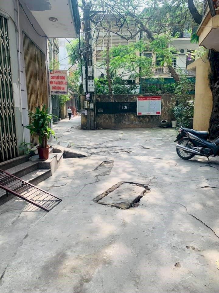 Nhà Hiếm Phố Phương Mai, Nhỉnh 5 Tỷ - Taxi Đỗ Cửa